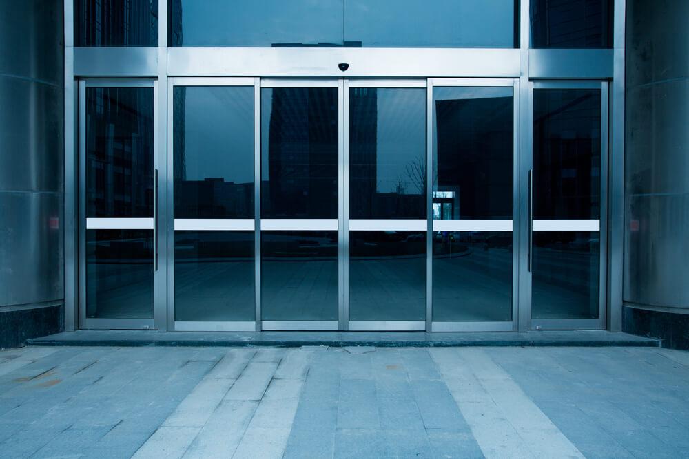 Commercial Glass Door Entryway